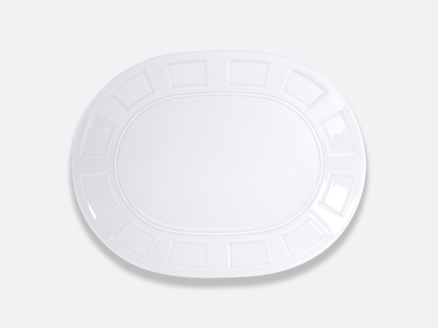 Plat ovale 38 cm en porcelaine de la collection Naxos Bernardaud