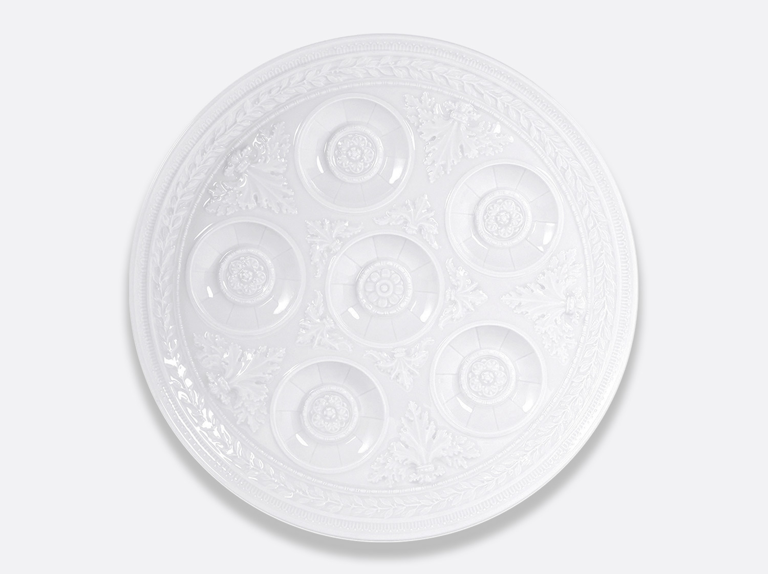 Plat à cocktail 37 cm en porcelaine de la collection Louvre Bernardaud