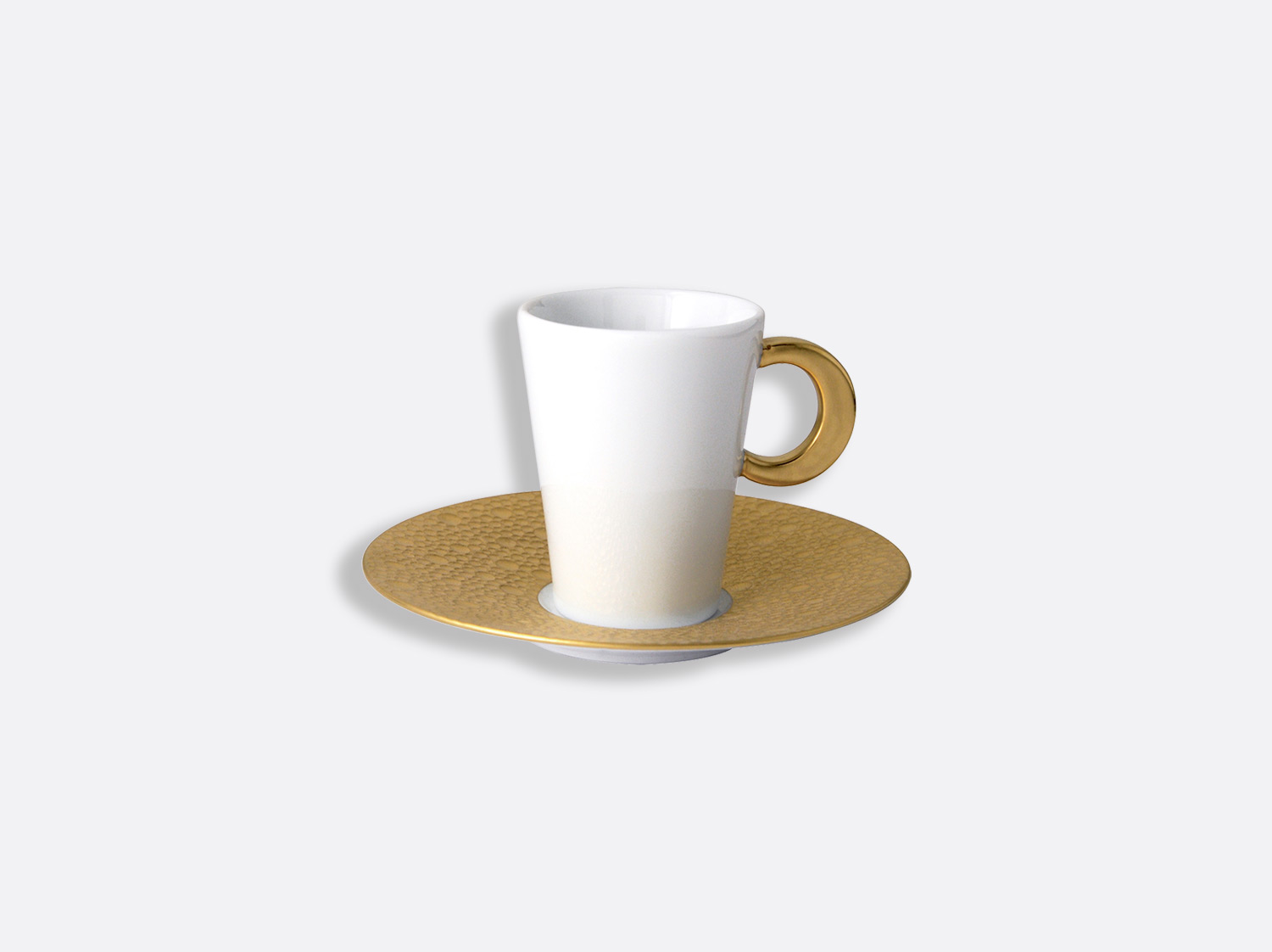 Tasse et soucoupe café 8 cl en porcelaine de la collection Ecume or Bernardaud