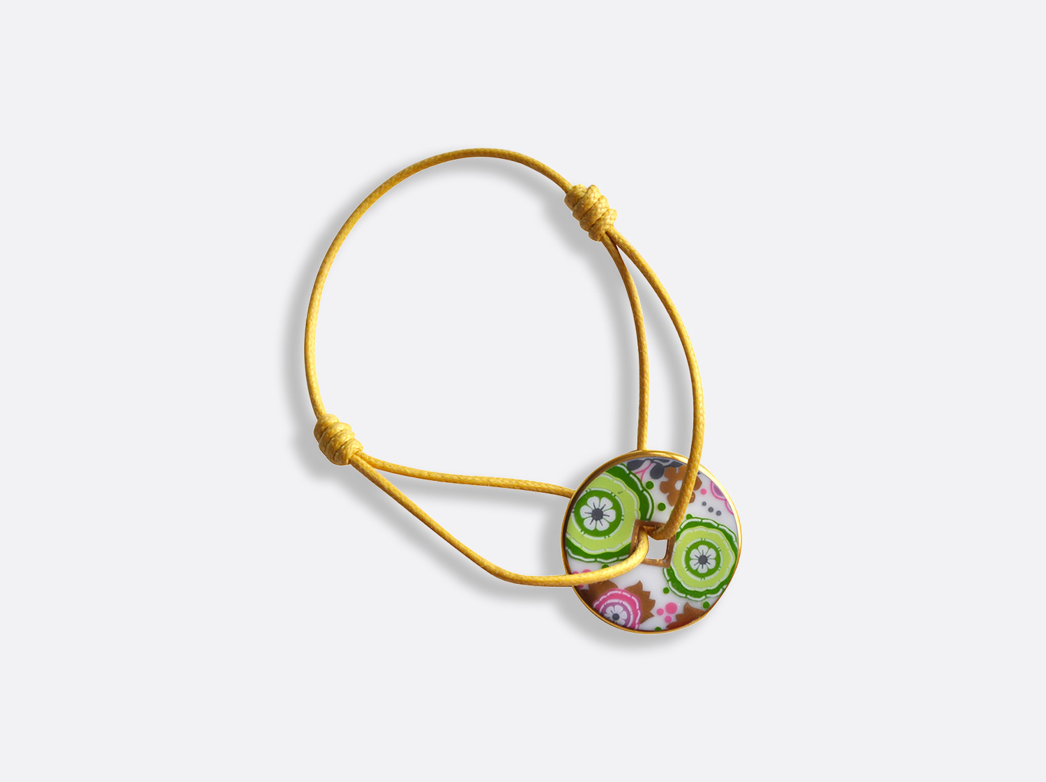 Bracelet talisman (diam. 25mm) en porcelaine de la collection Syracuse vert Bernardaud