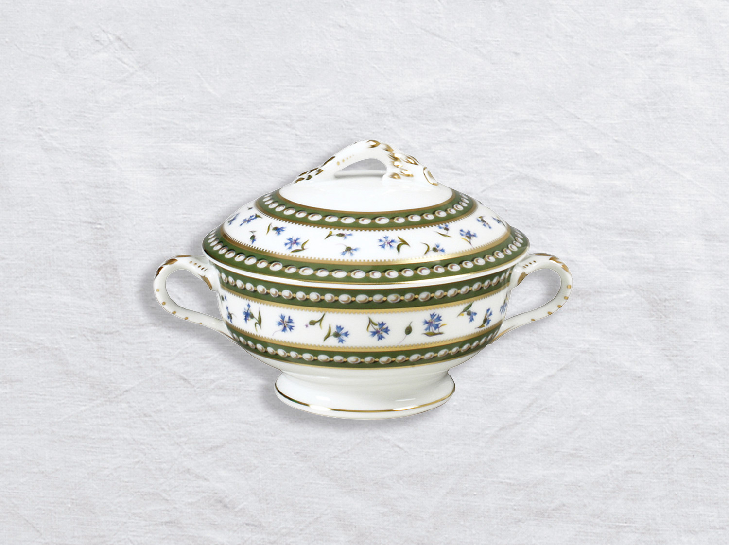 Ecuelle couverte 44 cl en porcelaine de la collection Marie-antoinette Bernardaud