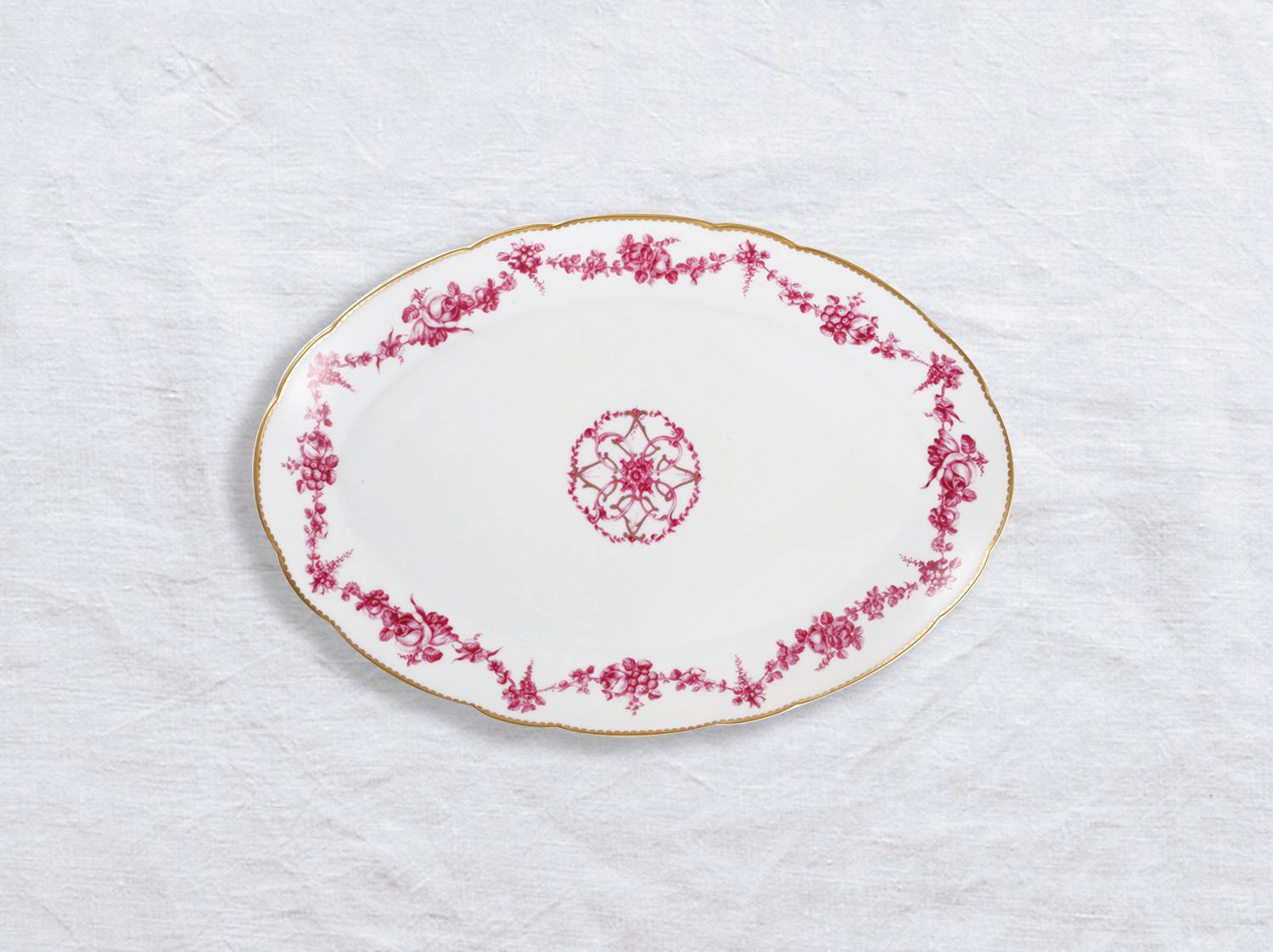 Plat ovale 38 cm en porcelaine de la collection Louis xv Bernardaud