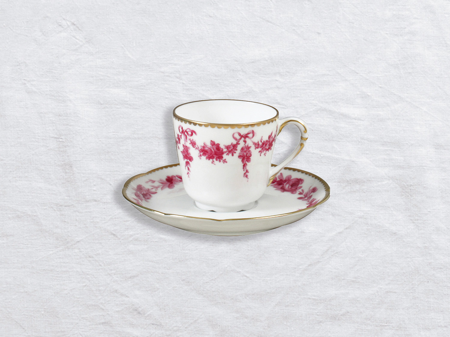 Tasse et soucoupe à café en porcelaine de la collection Louis xv Bernardaud