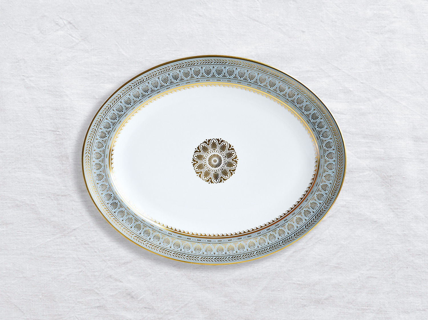 Plat ovale 33 cm en porcelaine de la collection Elysee Bernardaud