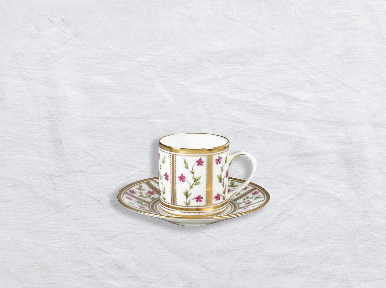 Tasse et soucoupe à café en porcelaine de la collection Roseraie Bernardaud