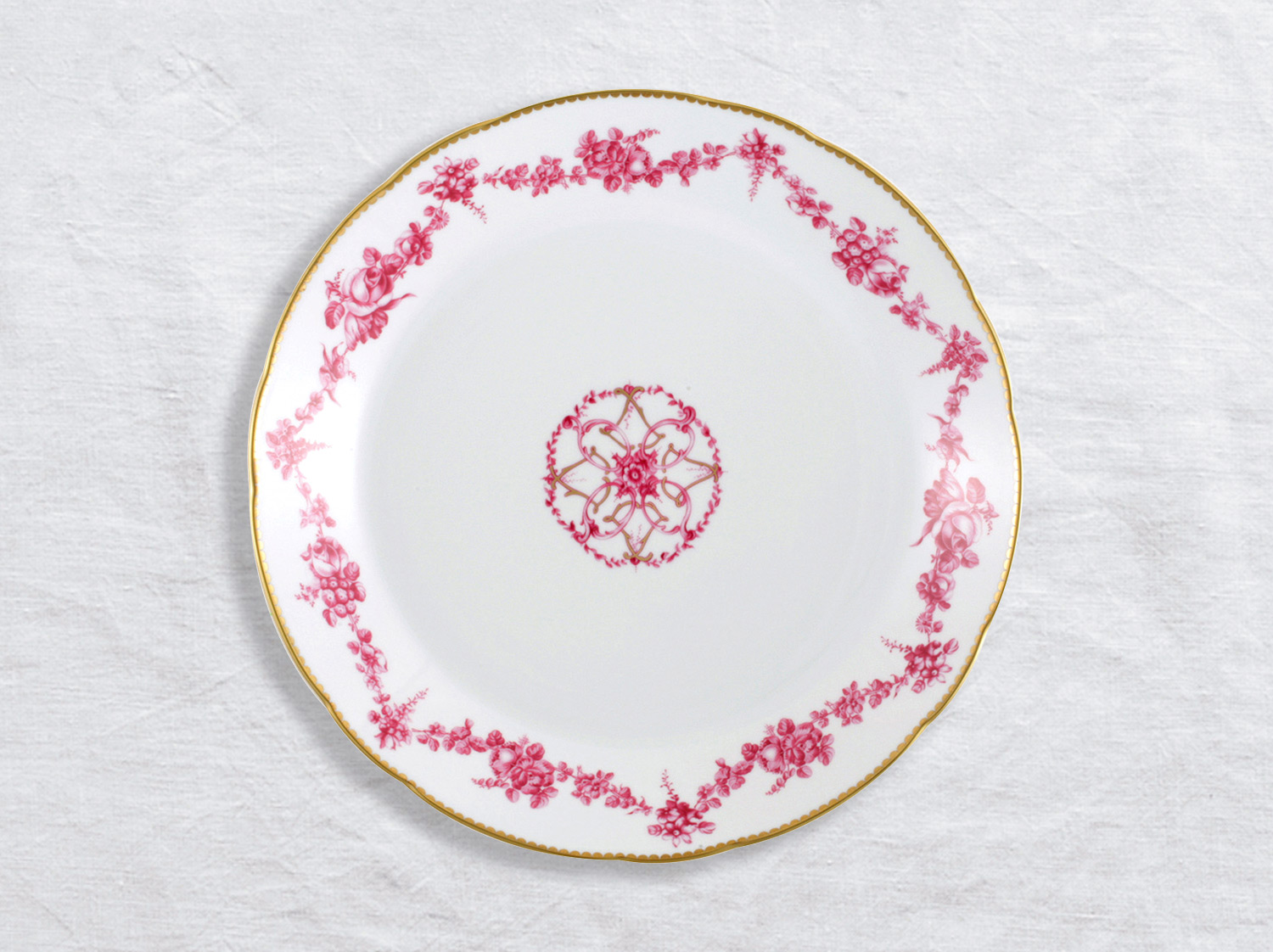 Plat rond creux 29 cm en porcelaine de la collection Louis xv Bernardaud
