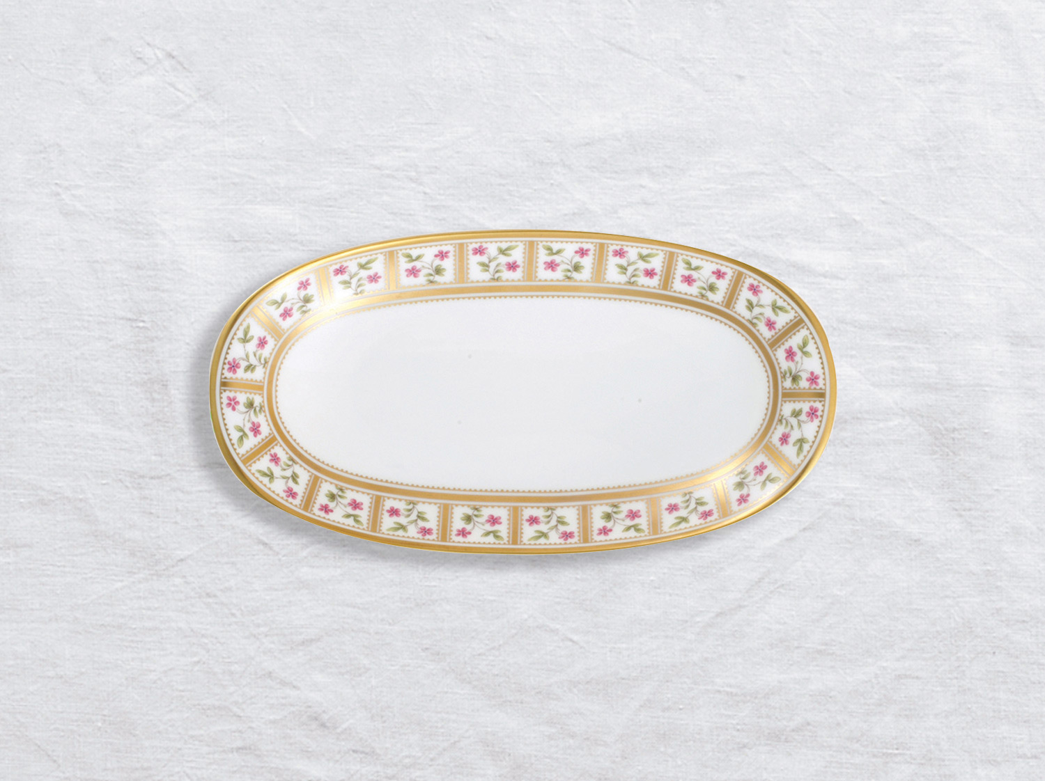 Ravier 21 x 15 cm en porcelaine de la collection Roseraie Bernardaud