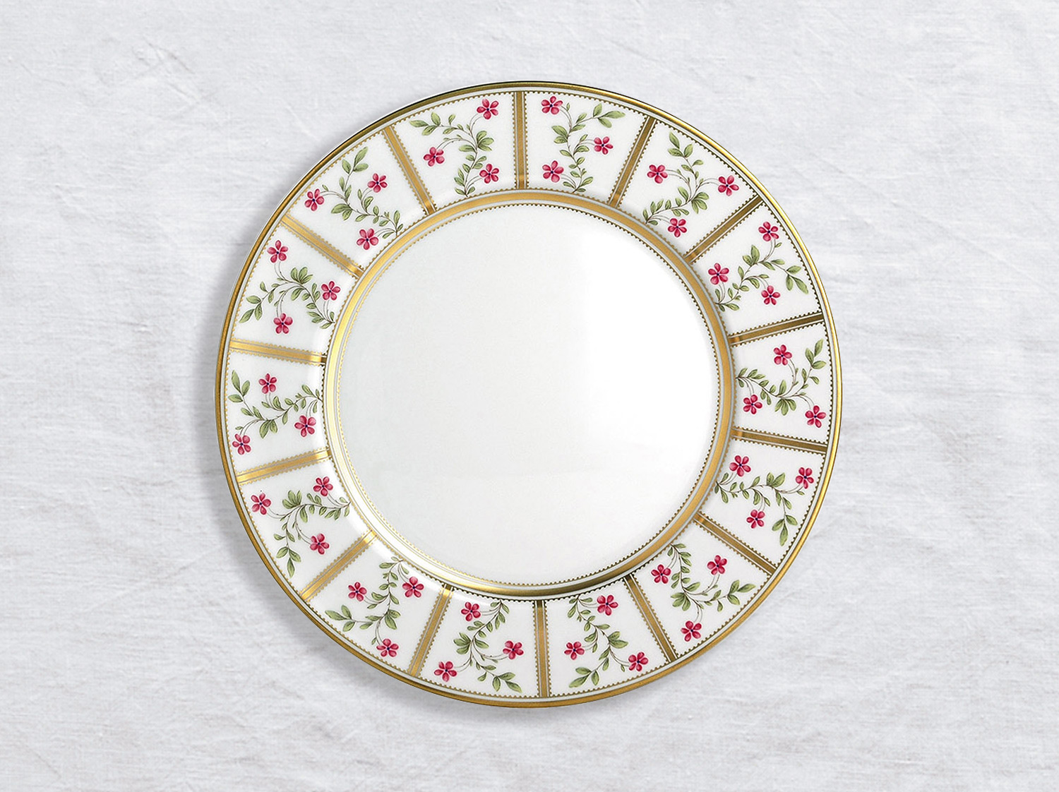 Assiette à dîner 26 cm en porcelaine de la collection Roseraie Bernardaud
