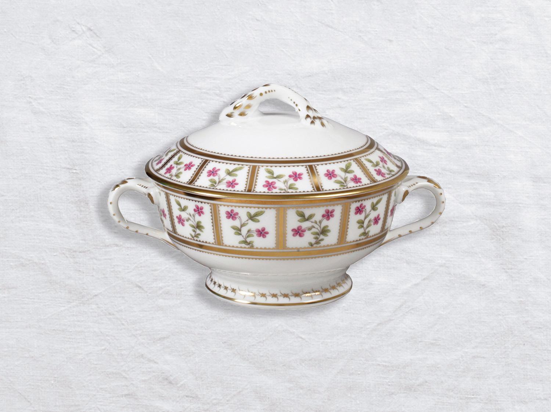 Ecuelle couverte (saucière) 44 cl en porcelaine de la collection Roseraie Bernardaud