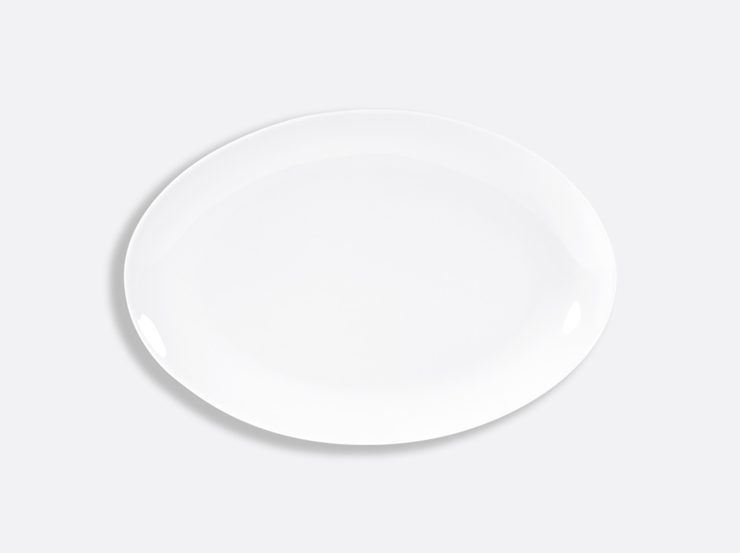 Plat ovale 38 cm en porcelaine de la collection DOMUS BLANC Bernardaud