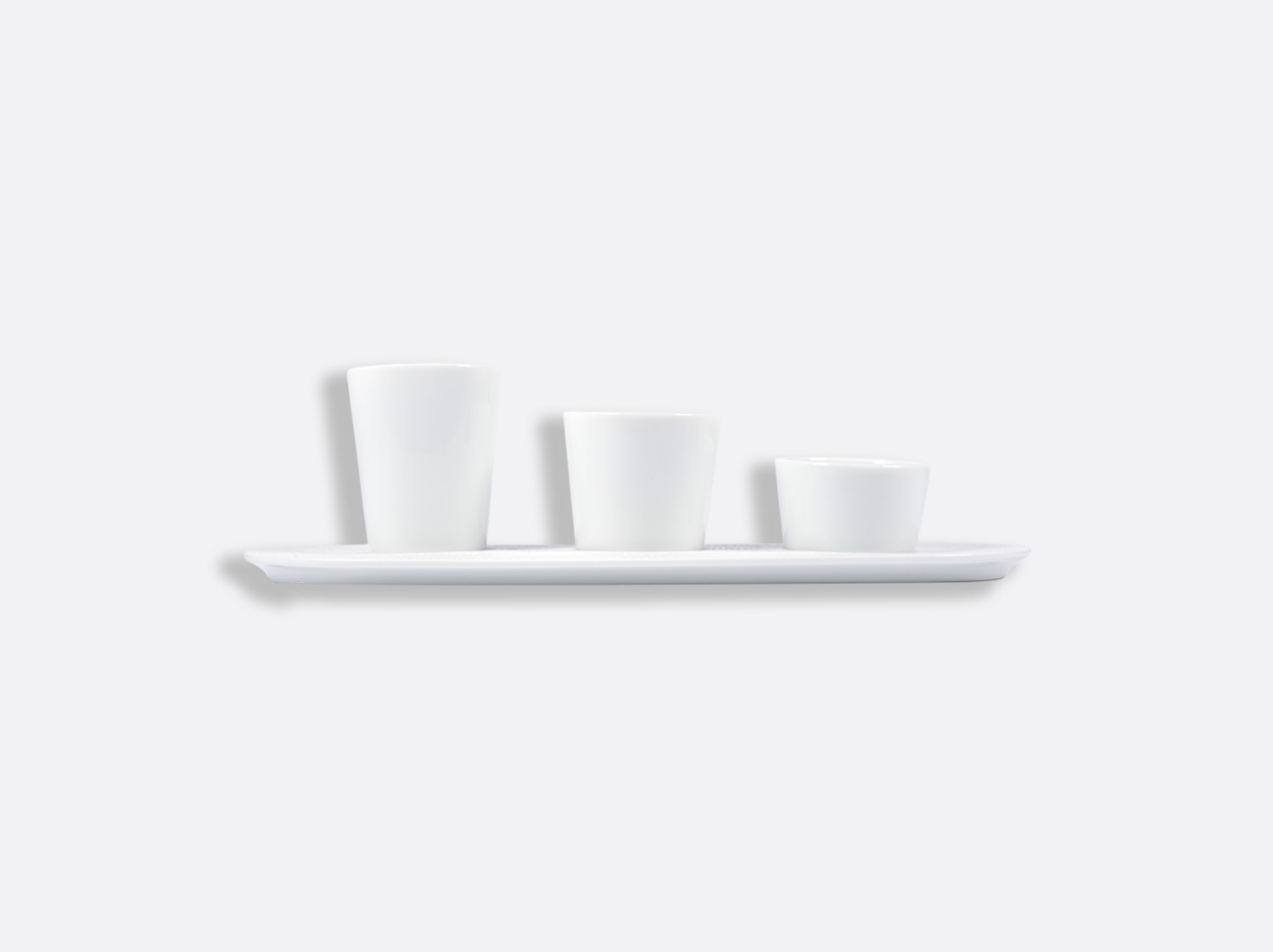 Plateau support 3 timbales (plateau seul) 30 cm en porcelaine de la collection ECUME BLANC Bernardaud