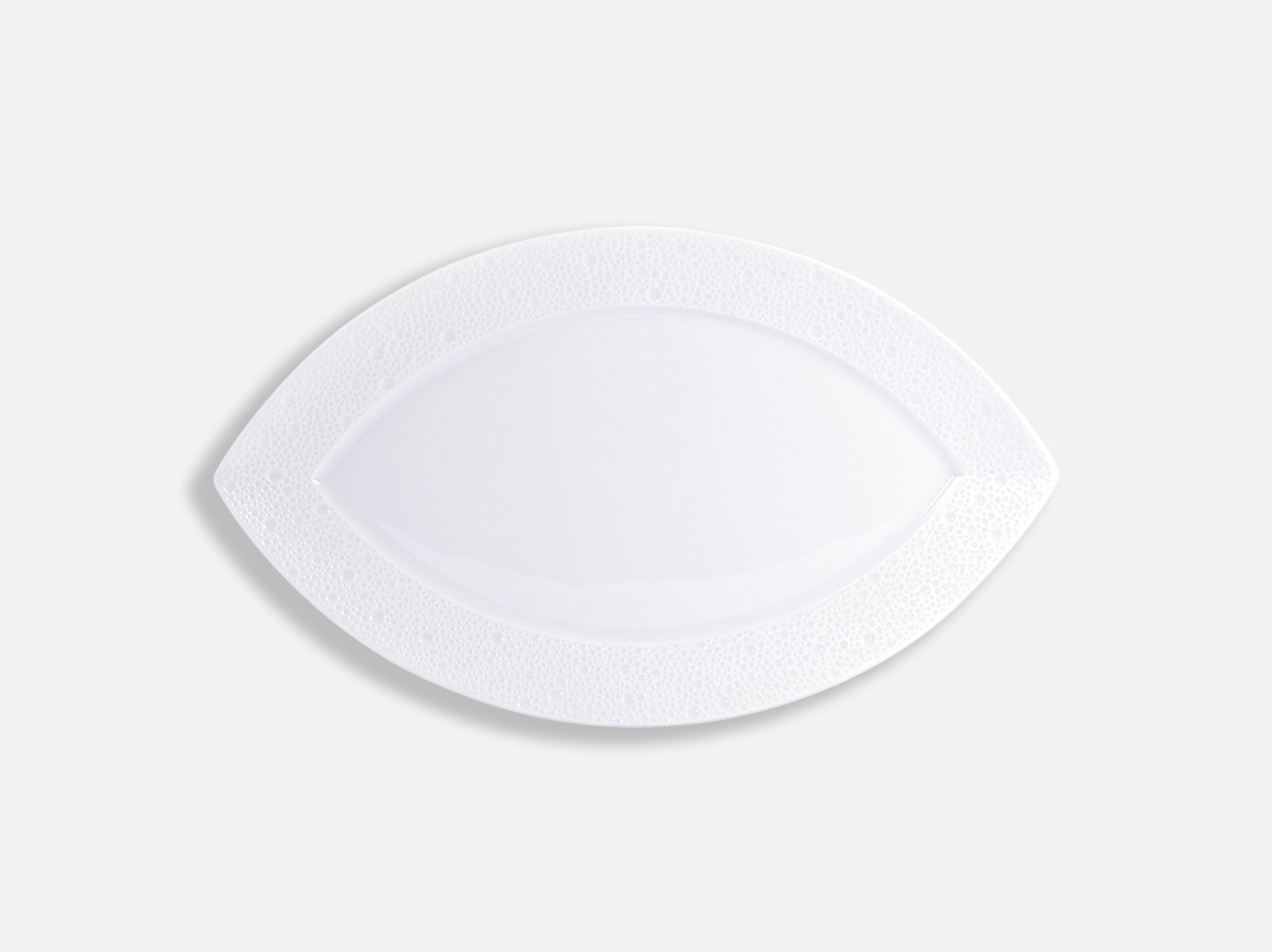 China Zanzibar plate 35.5 cm of the collection Ecume blanc aile mat | Bernardaud