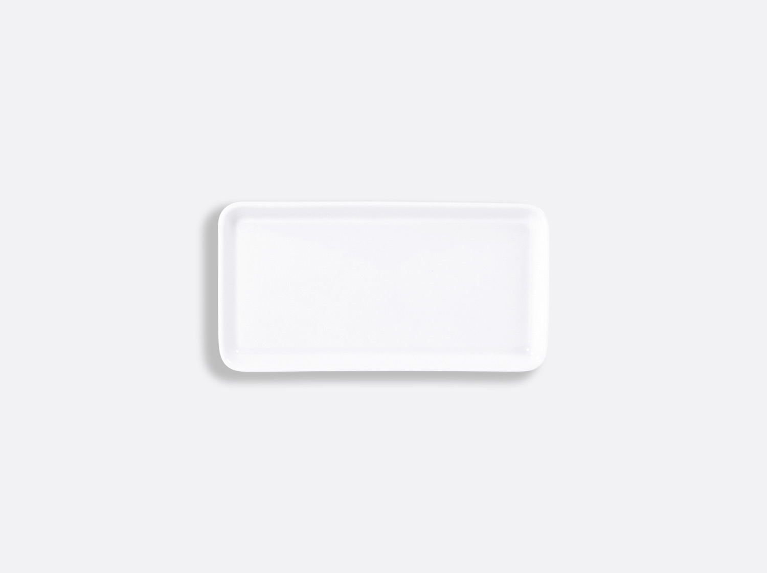 Plateau rectangulaire 13,5 x 7 cm en porcelaine de la collection FANTAISIES BLANCHES Bernardaud