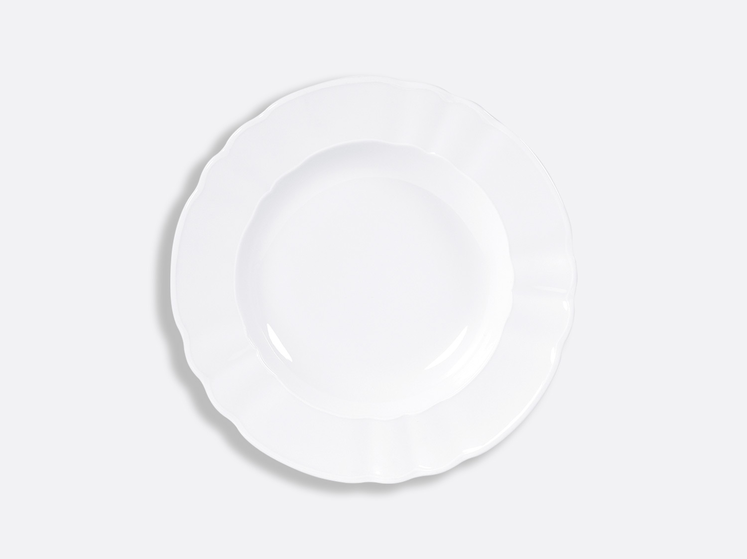 Assiette creuse à aile 22,5 cm en porcelaine de la collection L.15 BLANC Bernardaud