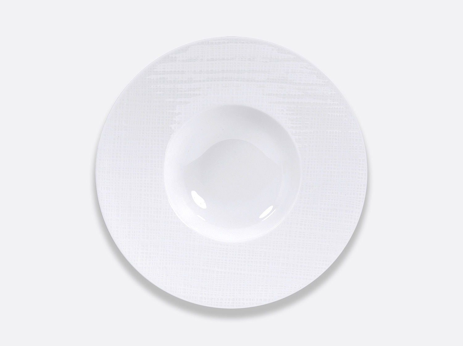Assiette creuse à aile large 27cm en porcelaine de la collection ORGANZA BLANC Bernardaud