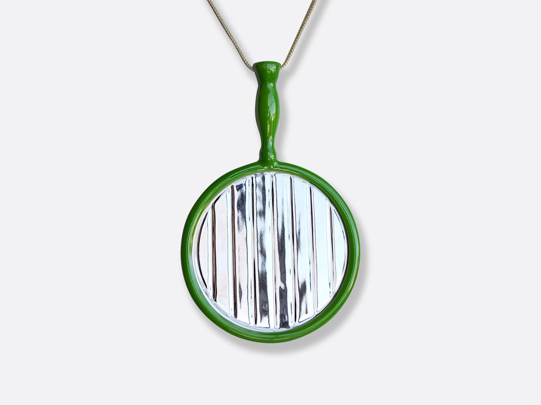 Pendentif vert en porcelaine de la collection MIROIR - JULIO LE PARC Bernardaud