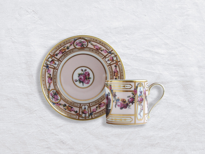 Tasse et soucoupe litron en porcelaine de la collection Aux paniers Bernardaud