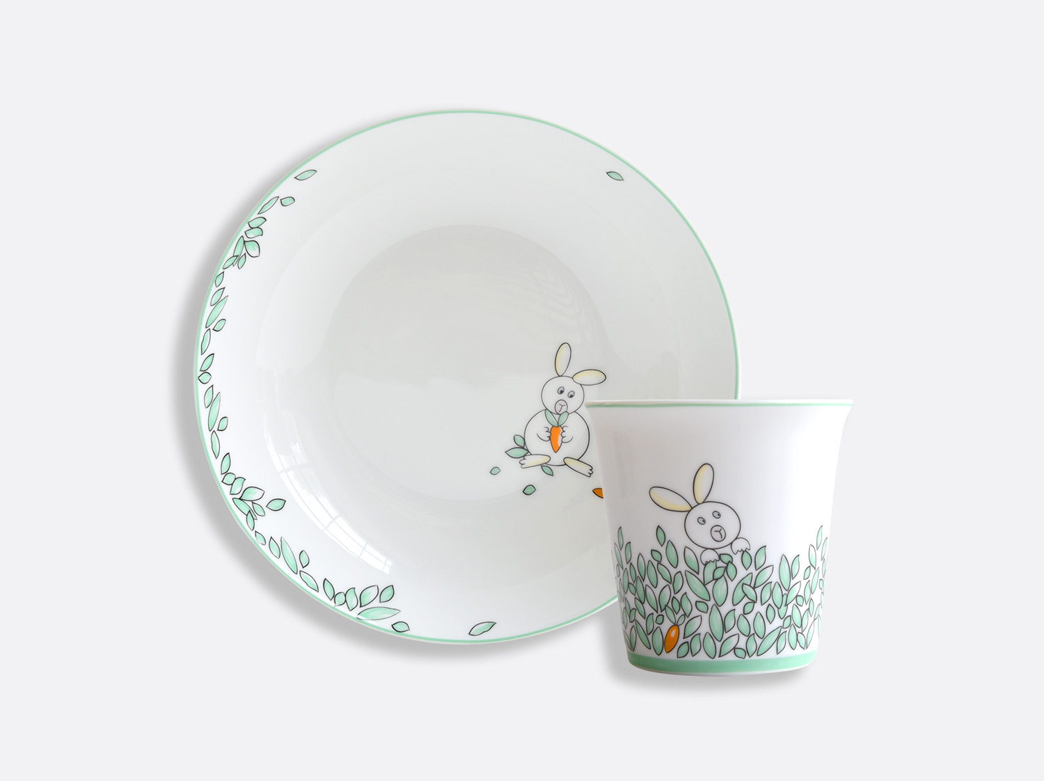 Coffret 1 assiette creuse 19 cm + timbale en porcelaine de la collection PETIT BOULINGRIN Bernardaud