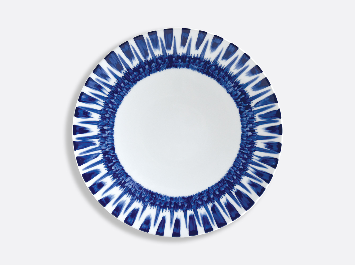 Assiette à dîner 27 cm en porcelaine de la collection IN BLOOM - Zemer Peled Bernardaud