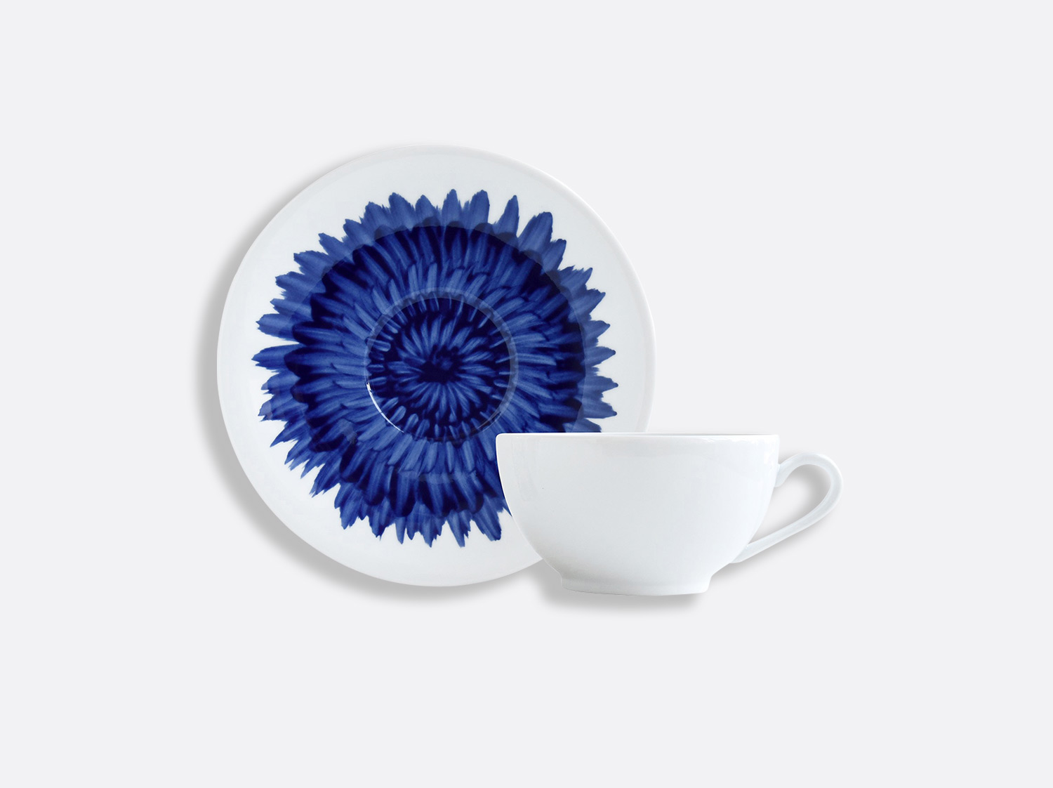 Tasse et soucoupe déjeuner 25 cl en porcelaine de la collection IN BLOOM - Zemer Peled Bernardaud