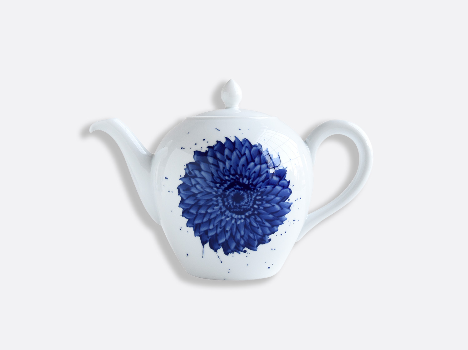 Verseuse en porcelaine de la collection IN BLOOM - Zemer Peled Bernardaud