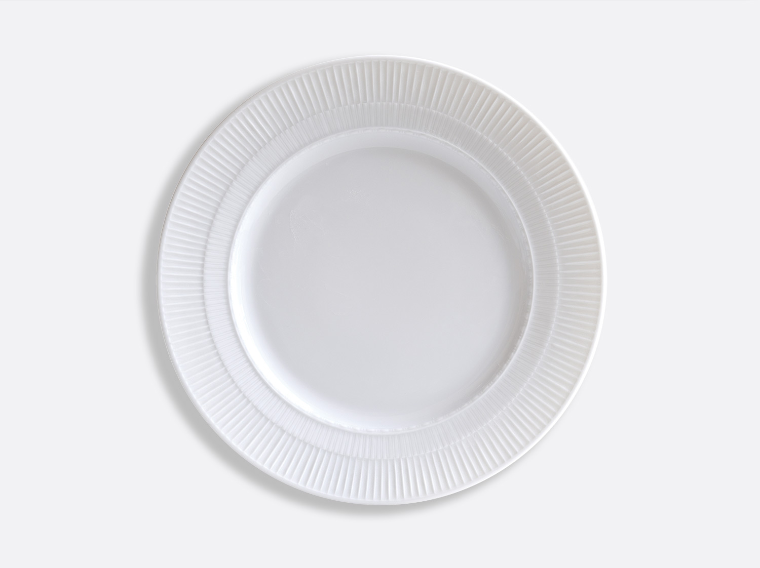 Assiette à dîner Marly 26 cm en porcelaine de la collection Louvre Bernardaud
