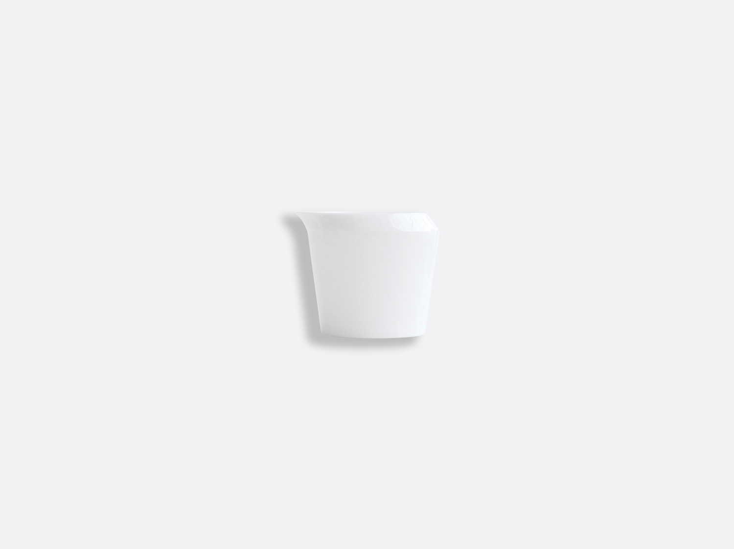 Crémier 8 cl sans anse en porcelaine de la collection ASTRE BLANC Bernardaud