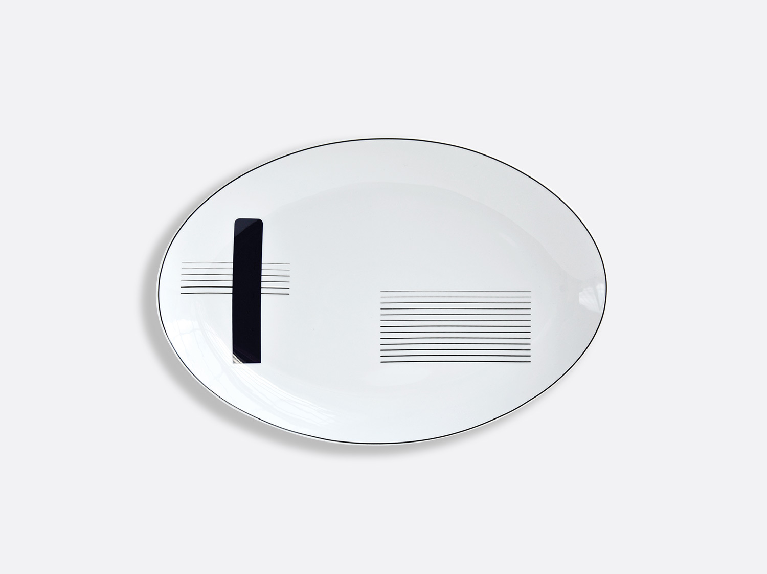 Plat ovale 38 cm en porcelaine de la collection OSCAR Bernardaud