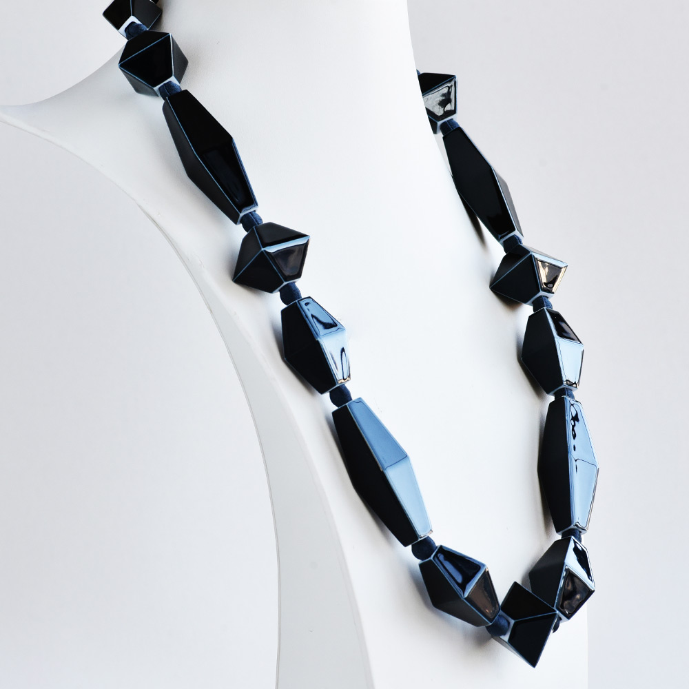 China Perles Noir Long Necklace of the collection Be Bold Over | Bernardaud