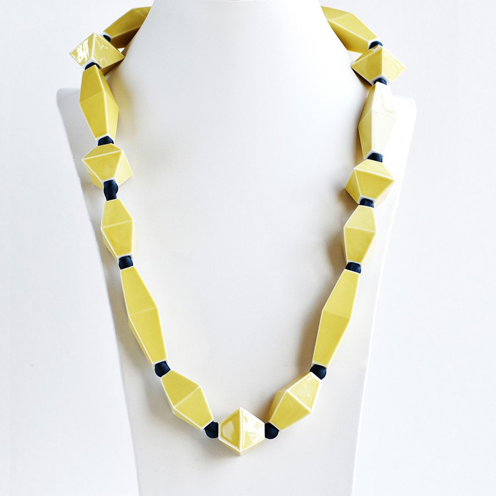 China Perles Jaune Long Necklace of the collection Be Bold Over | Bernardaud