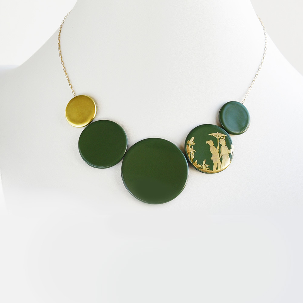China Disque Vert Mousse Choker of the collection Be Bold Over | Bernardaud