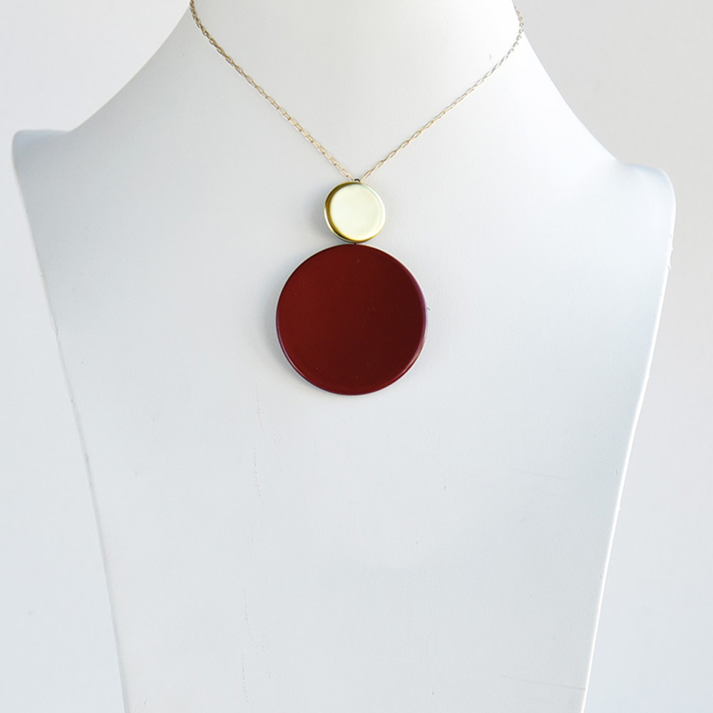 China Disque Corail Short Pendant of the collection Be Bold Over | Bernardaud