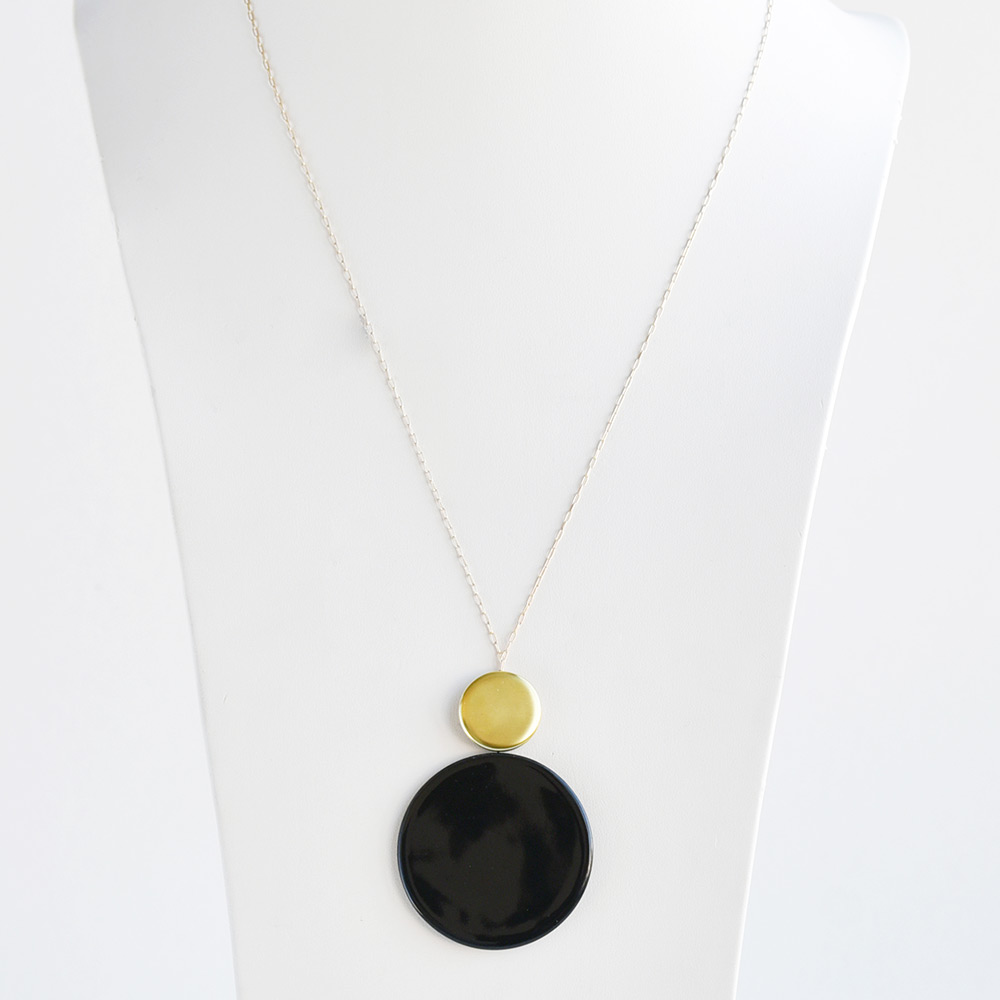 China Disque Noir Long Pendant of the collection Be Bold Over | Bernardaud