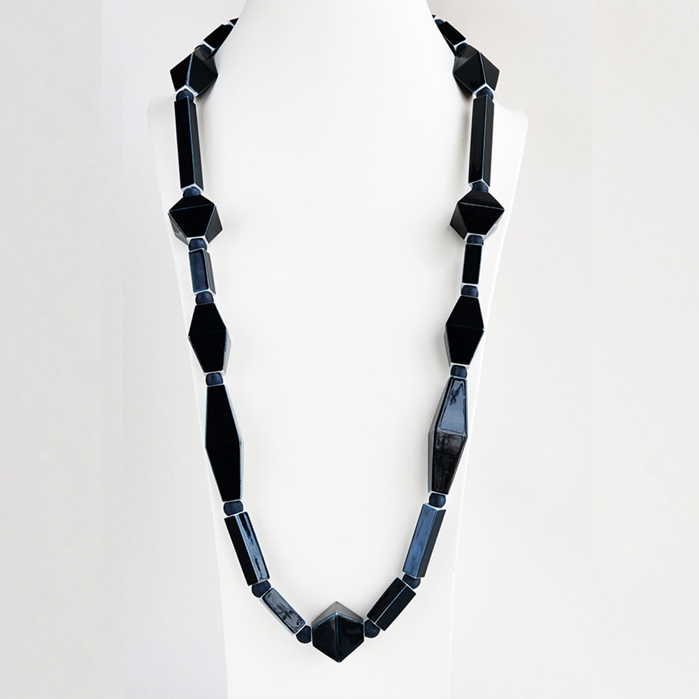 China Perles et Tubes Noir Long Necklace of the collection Be Bold Over | Bernardaud