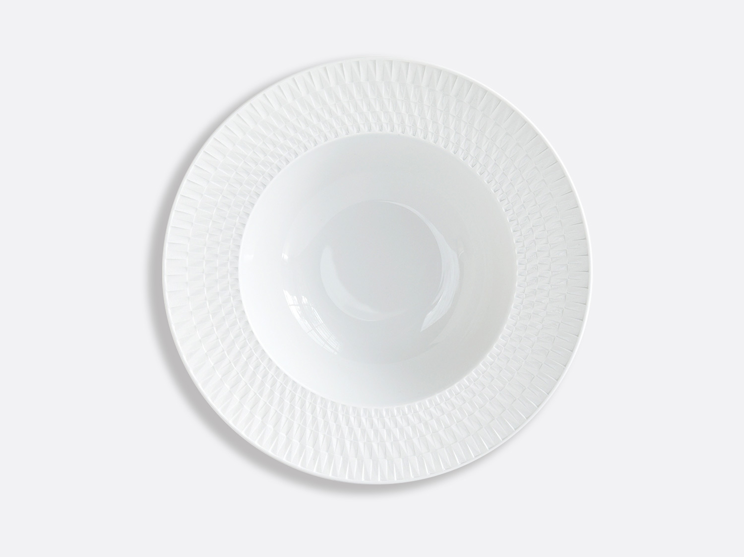 Assiette creuse à aile 22,5 cm en porcelaine de la collection Twist Bernardaud