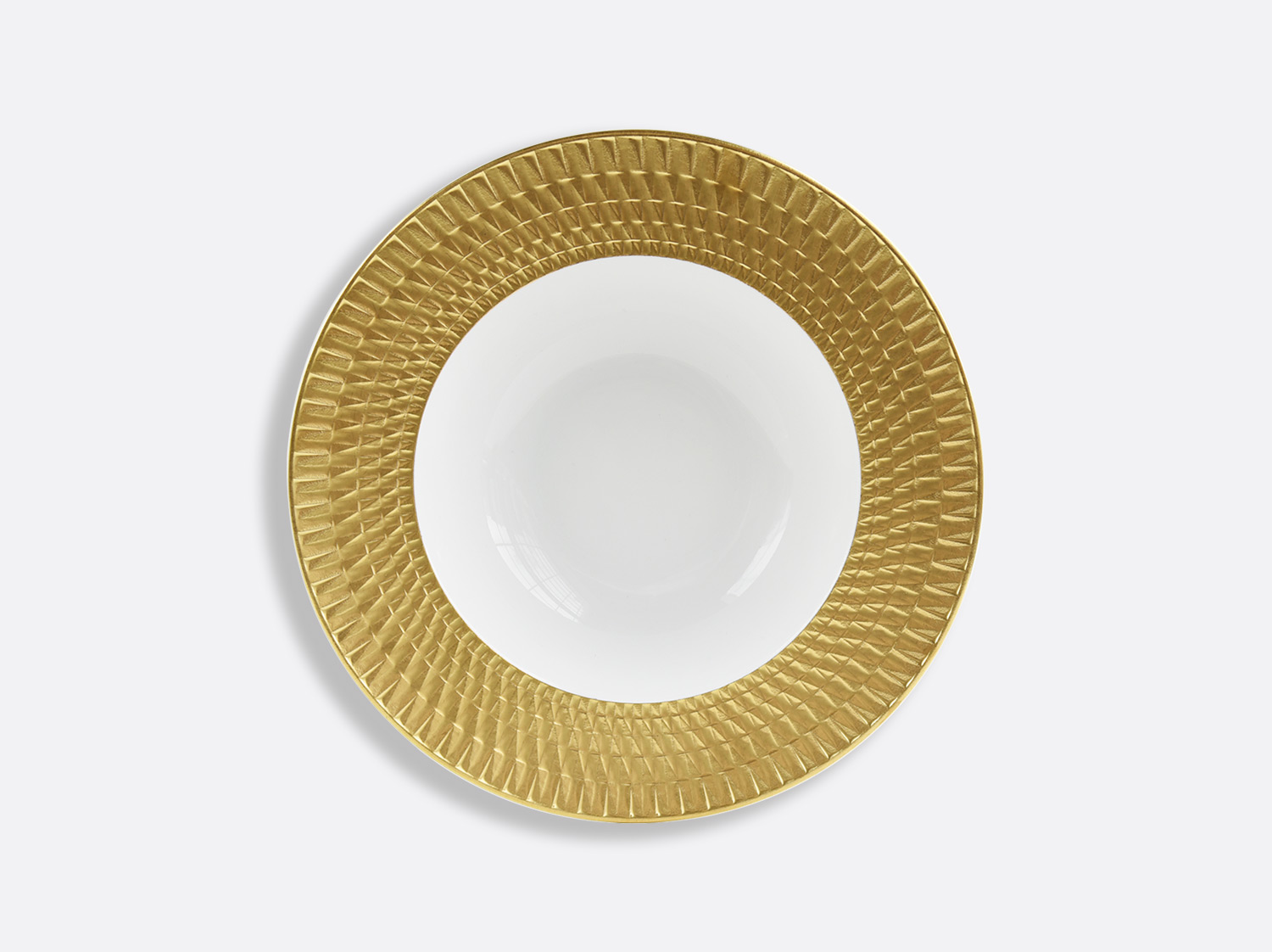 Assiette creuse à aile 22,5 cm en porcelaine de la collection Twist or Bernardaud