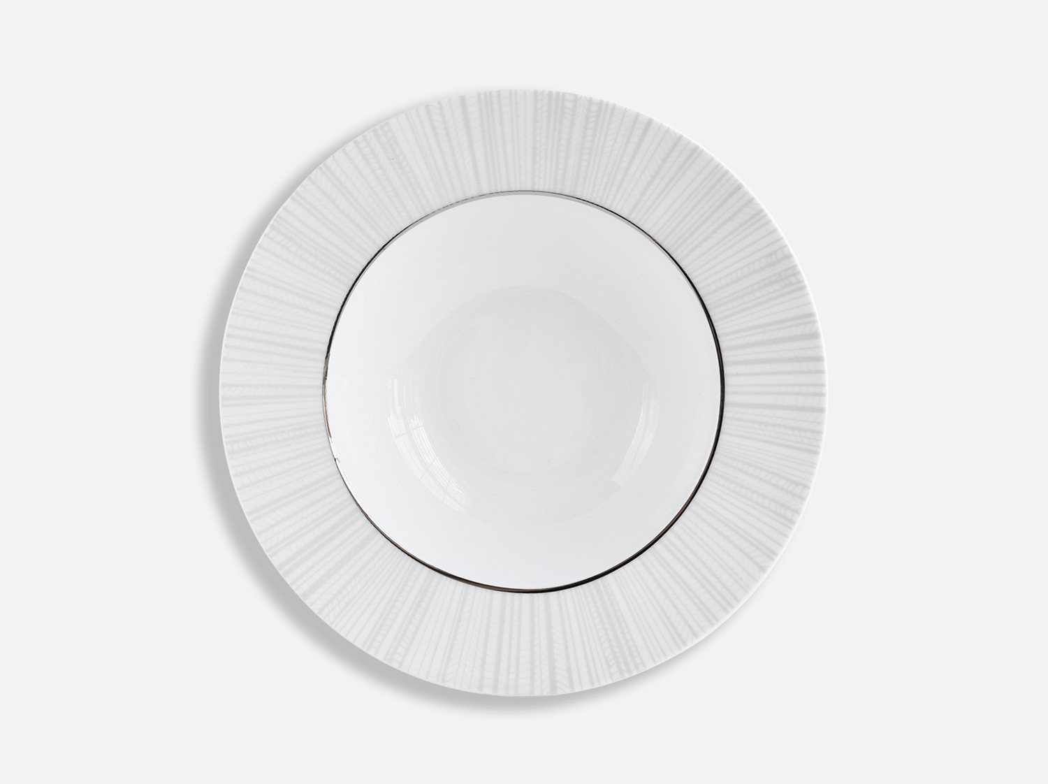 Assiette creuse à aile en porcelaine de la collection Silva Bernardaud