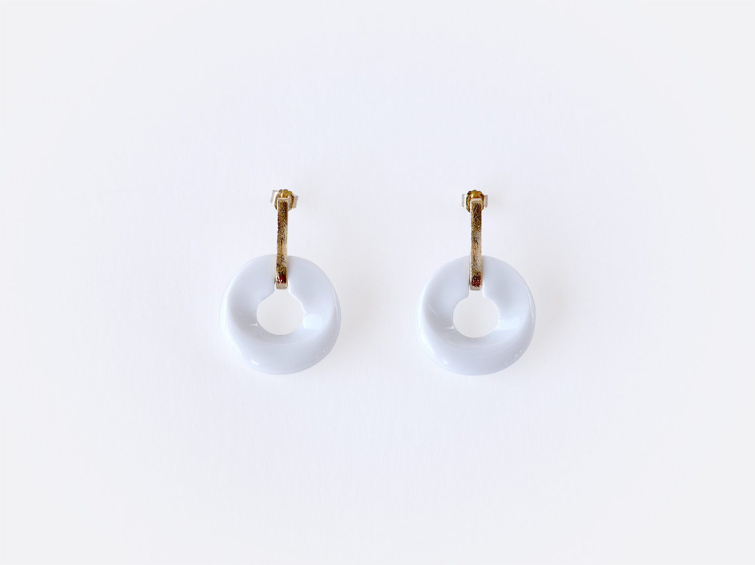 Boucles d'oreilles Alba blanc en porcelaine de la collection ALBA BLANC Bernardaud
