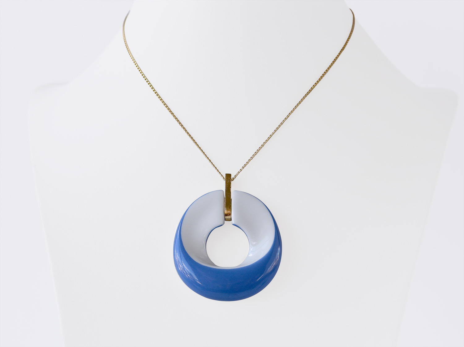 China Pendant of the collection ALBA BLEU | Bernardaud