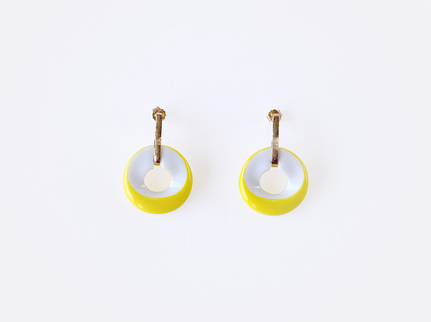 Boucles d'oreilles Alba jaune en porcelaine de la collection ALBA JAUNE Bernardaud