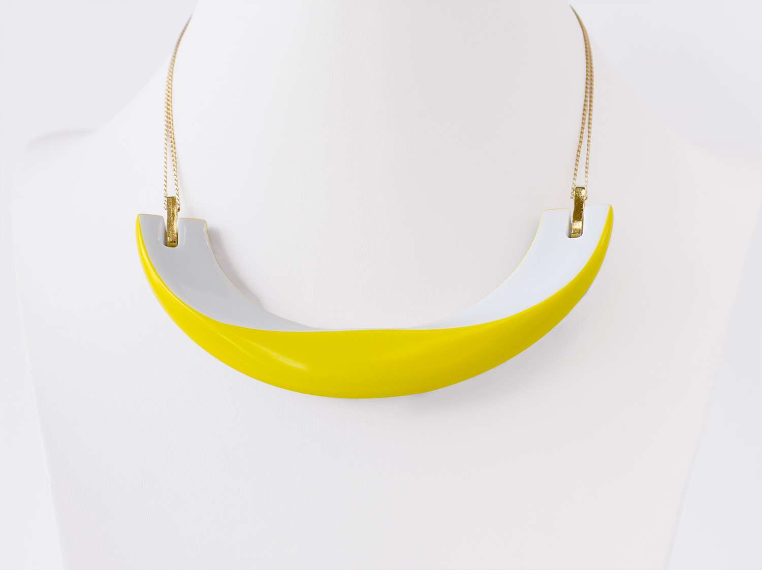 Collier Alba jaune en porcelaine de la collection ALBA JAUNE Bernardaud