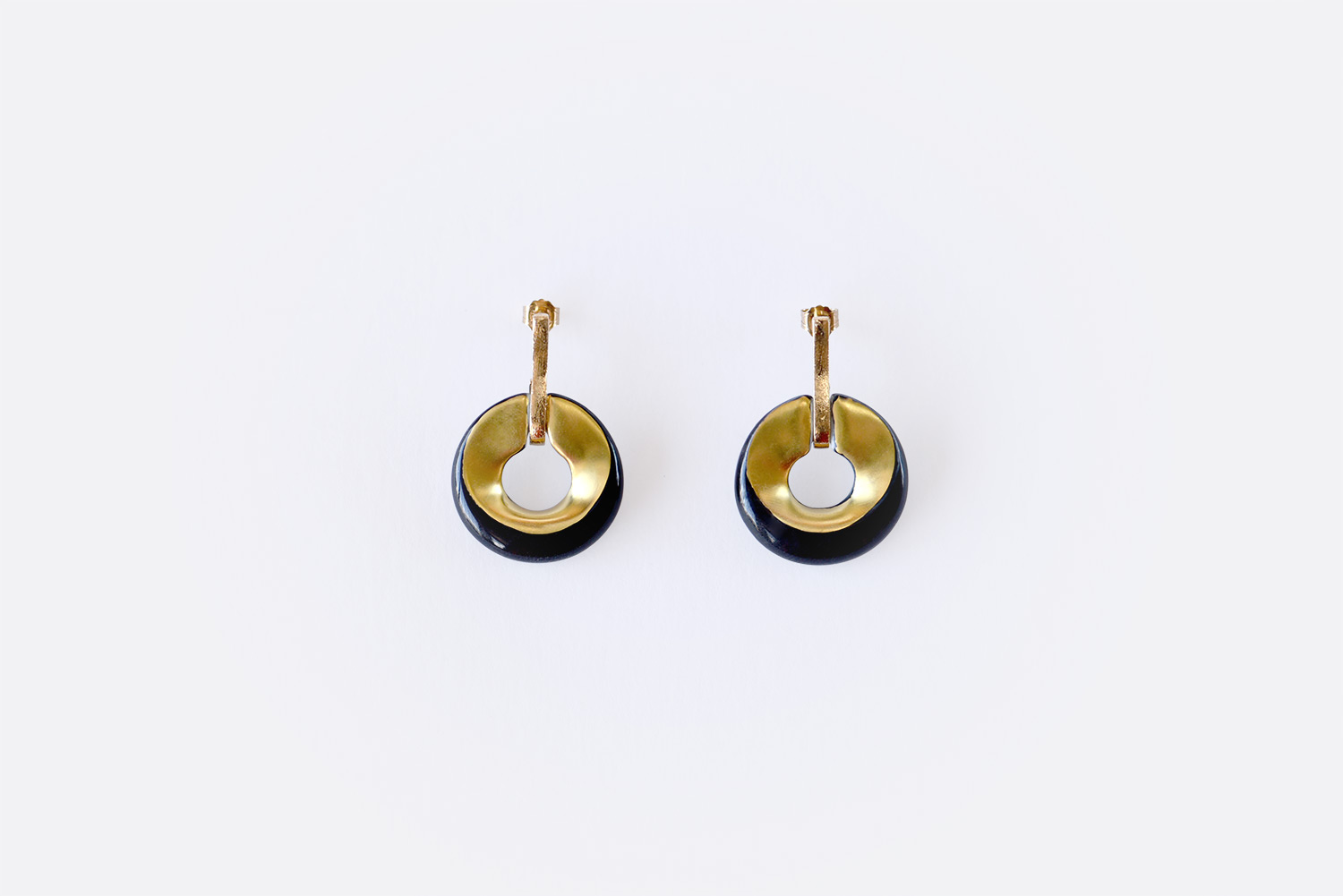 China Earrings of the collection ALBA NOIR ET OR | Bernardaud