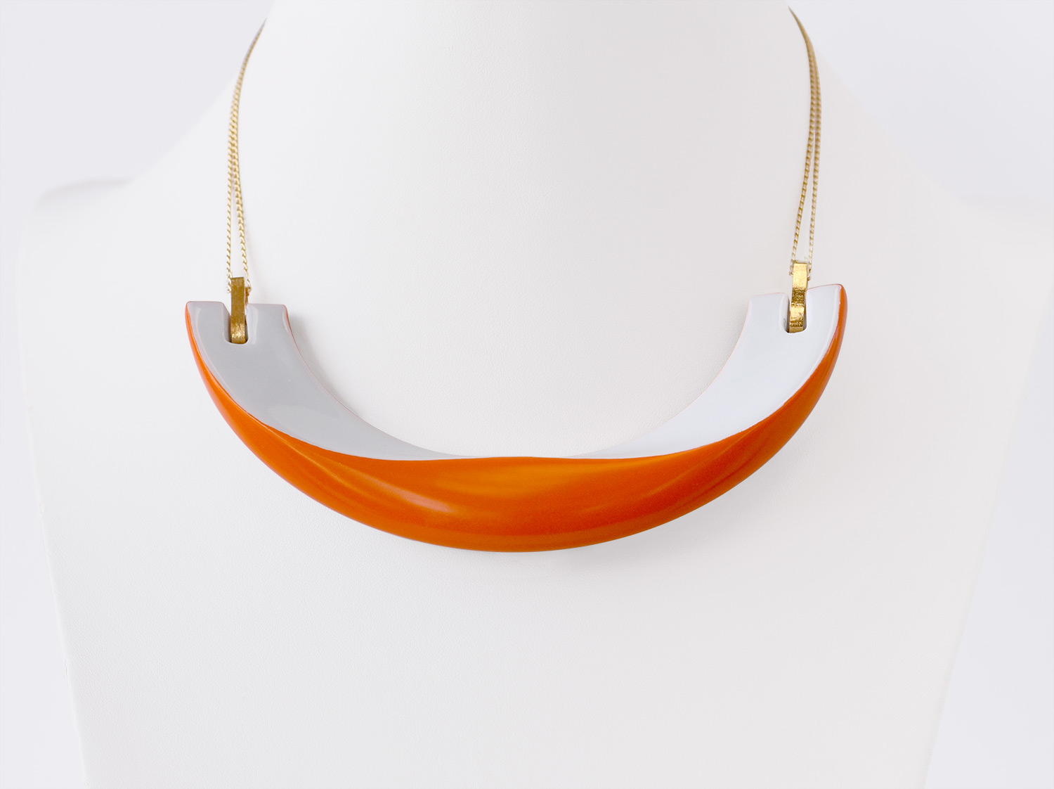 Collier Alba orange en porcelaine de la collection ALBA ORANGE Bernardaud