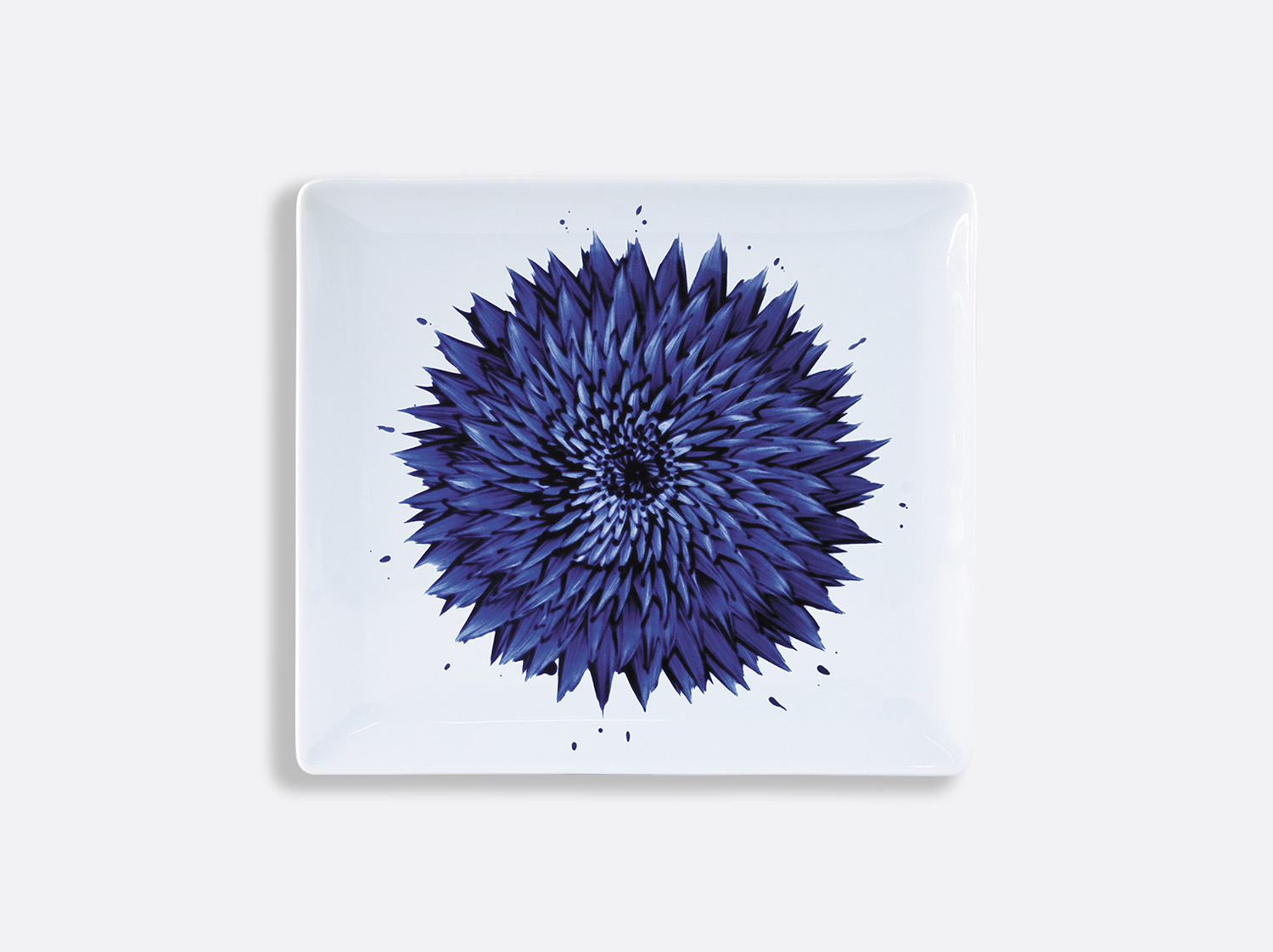 Plateau rectangulaire 22 x 19,5 cm en porcelaine de la collection IN BLOOM - Zemer Peled Bernardaud