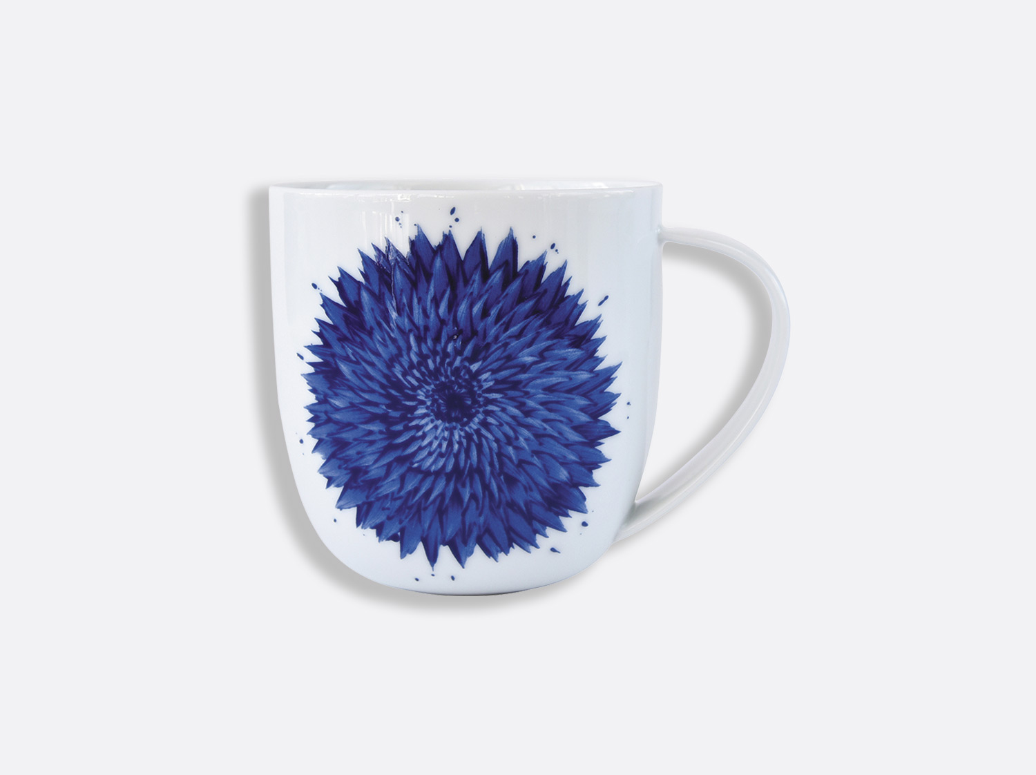 Mug Bleu 35 cl en porcelaine de la collection IN BLOOM - Zemer Peled Bernardaud