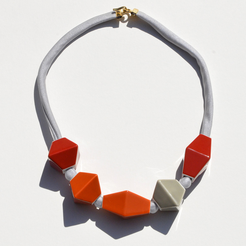 Ras du cou Perles Rouge et Orange en porcelaine de la collection Be Bold Over Bernardaud